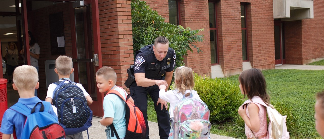 mark kern greets mckee students